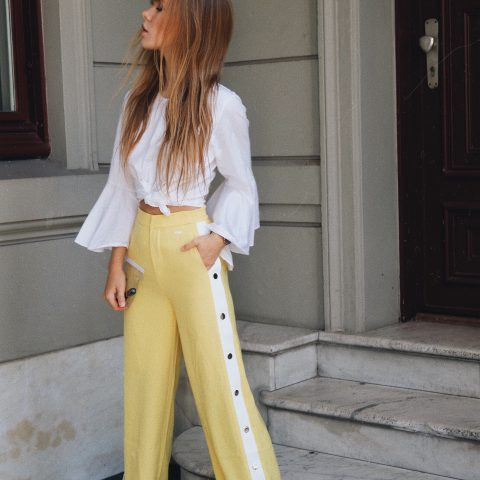YELLOW TRACK PANTS AND blouse with trumpet sleeves